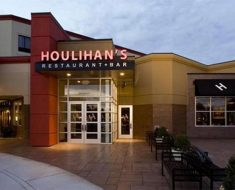 Houlihan's Feedback Survey